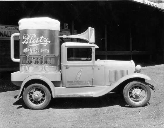 Bob's Icebox Repair - History - Refrigerated Beer Truck Photo
